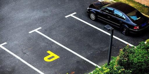 Разметка парковки на придомовой территории.